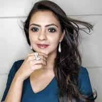Bridal Hair & Makeup Artist - Poonam Lalwani