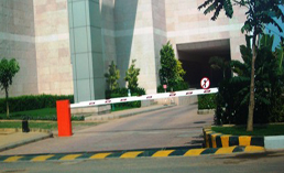 Industrial automatic gate manufacturers